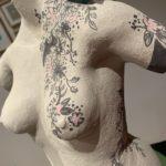 sculpture femme tatouée buste pièce unique claymee.com